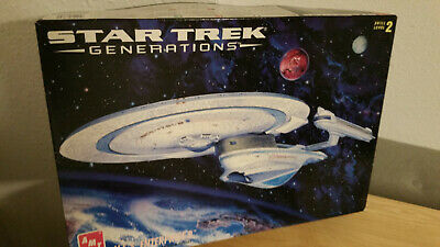 Star Trek Model Generations TNG USS Enterprise 1701-B #8762 Complete 1995 AMT