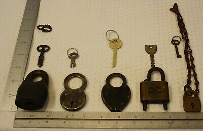 #2 Lot of 5 Vintage Padlocks - w/out and with Keys