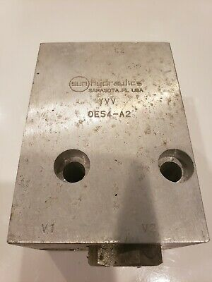 Sun Hydraulics 0E54-A2 Hydraulic Valve Block - New- Needs Cleaned F1.1.1
