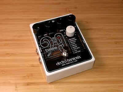EHX Electro-Harmonix Bass 9 Bass Machine = Synths Bowed Fretless 303 Split so...