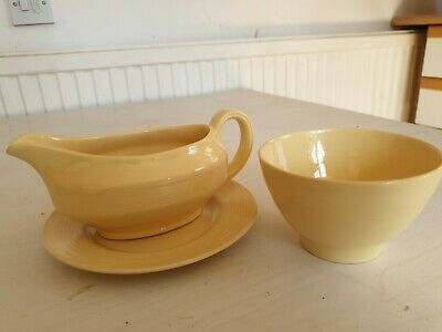 Vintage Retro Wood's Ware Yellow Jasmine ~ Gravy Boat / Sauce Jug With Plate