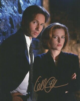 Gillian Anderson autographed 8 x 10 photo, The X-Files