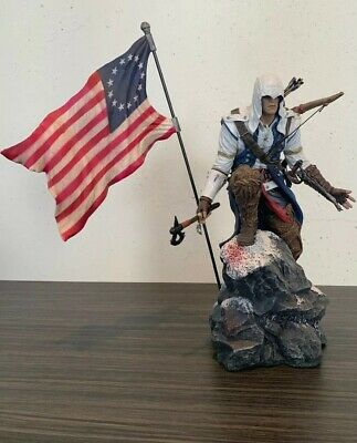 "Assassins Creed lll Freedom ""Connor"" Figure Statue With Flag"
