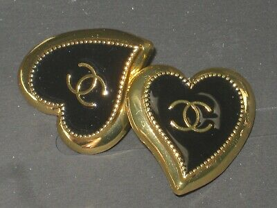 CHANEL  2 AUTHENTIC black GOLD Heart shape BUTTONS 2 STAMPED