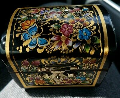 Vintage Mexico Hand Painted Mini Jewelry box Oil & 24 karat Gold Lacquered Wood