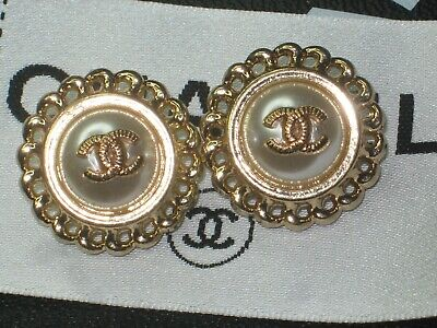 CHANEL  2 CC  LOGO PEARL, MATTE GOLD  21mm BUTTONS THIS IS FOR TWO