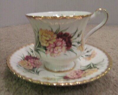 Paragon Fine Bone China England Footed Teacup And Saucer Floral Motif Lovely