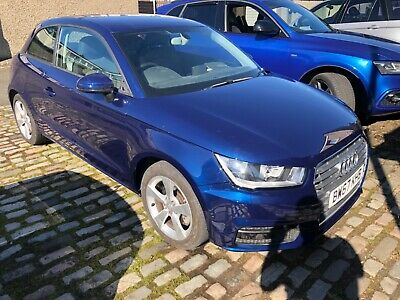 Audi A1 sport 1.4tfsi blue one owner (read description ) l👀k