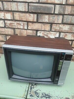 "Vintage Working 1988 Emerson 13"" Color TV ECR 1350 , Wood Grained"