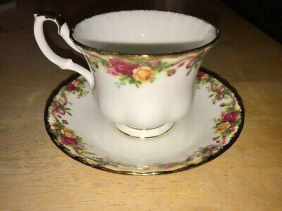 Royal Albert Old Country Roses Ruby Celebration Ribbon Collection Cup & Saucer