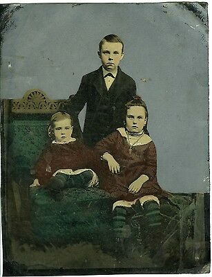 PHOTO FERROTYPE TINTYPE - HAND TINTED - des enfants posent - 1890