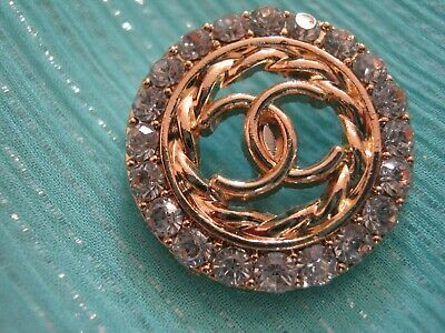 CHANEL  1 CC  LOGO MATTE GOLD , RHINESTONES 21mm BUTTON THIS IS FOR ONE
