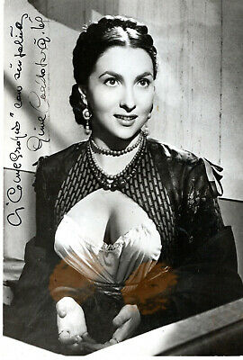Italian Icon, Beauty, Actress Gina Lollobrigida ,Signed Vintage Studio Photo.