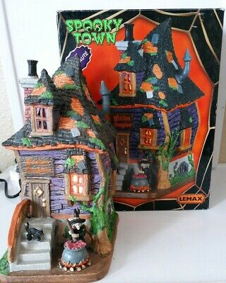 Lemax Spooky Town WITCHES BUNGALOW #75183 Illuminated Building