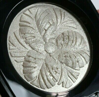 Chanel Camelia De Plumes Illuminating Powder Limited Ed Swatched Twice W/O Box!
