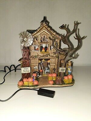 Lemax Spooky Town ~ Creepy Barn ~ IN BOX 2005 #55222 Retired