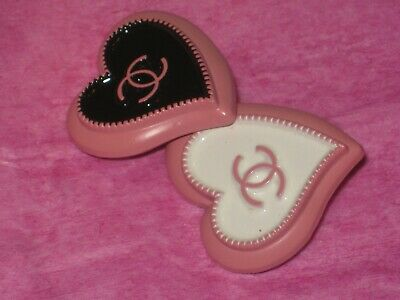 CHANEL  2 AUTHENTIC black white  PINK  Heart shape BUTTONS 2 STAMPED