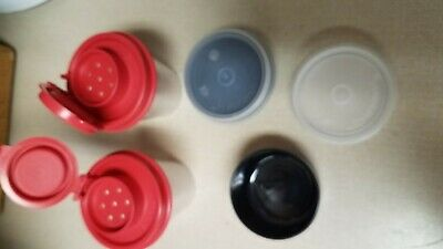 Tupperware New Set Of 2 Mini Salt & Pepper Shaker & 2 Smidgets