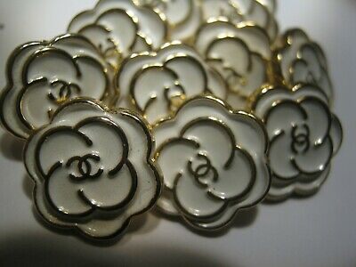 CHANEL 12MM very pretty 10 SMALL buttons in WHITE enamel and gold tone 10