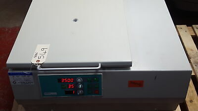 Hermle Z 400 K Refrigerated Bench Top Centrifuge With Rotor