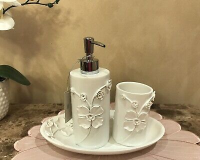 Raymond Waites 8pc Brown Hand Carved Fl Cream Washed