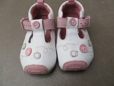 Clarks tiny toddler pink shoes UK2G