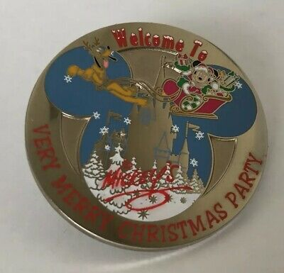 Disney 2001 Mickey's Very Merry Christmas Party Mickey & Pluto Round Pin LE 5000