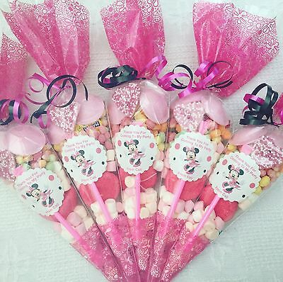 15 X Minnie Mouse Themed  Pre Filled Party Cones Personalised+Free Sweety Bag