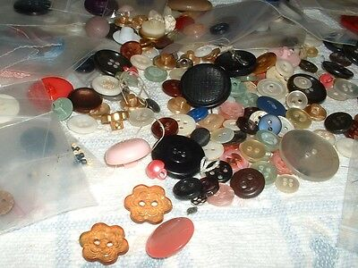 Vintage Antique Buttons   Collections from 1940-1980   Mixed Lot