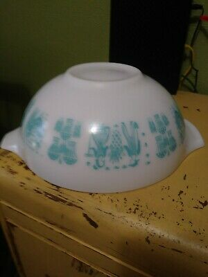 Pyrex Amish Butterprint Cinderella 4 Quart Turquoise on White Mixing Bowl 444