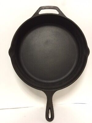 """Large Lodge 12"""" Cast Iron Skillet 10Sk Camping Stovetop Cookware Seasoned Vgc!!"""