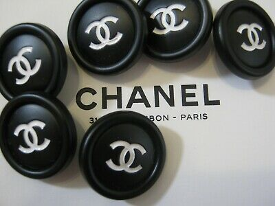 CHANEL 6 AUTHENTIC  white CC,  BLACK  17 MM BUTTONS THIS IS FOR 6