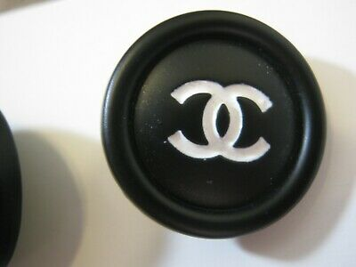 CHANEL 1 AUTHENTIC  white CC,  BLACK  23 MM BUTTON THIS IS FOR 1