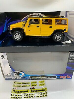 2003 Hummer H2 SUV Truck Diecast Car 1:27 Maisto 7.75 inches Yellow 1/24 NIB