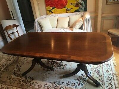 Victorian Oval Oak Table in Good Condition