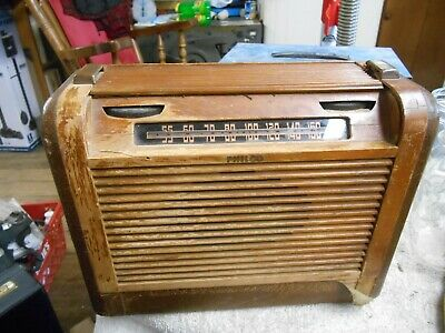 Philco model 46-350 AM Radio Wood Case