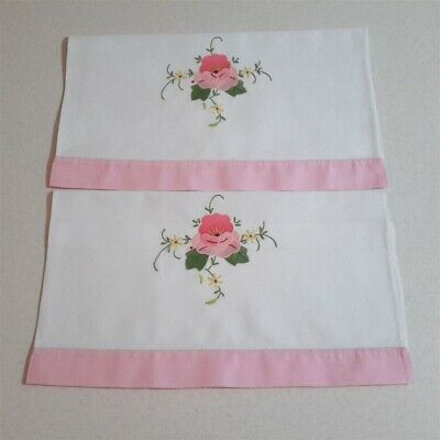 2  x Pretty Pink Edge Vintage Embroidered Floral Applique Guest Towels