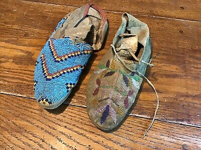 2 Single NATIVE AMERICAN SIOUX CREE INDIAN Sinew BEADED MOCCASINS Pine ridge