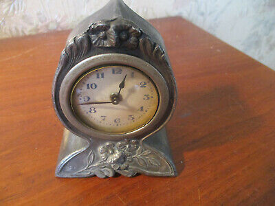Vintage ART AND CRAFTS Deco Wind-Up Mantel Clock.