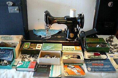1947 Singer 221 Featherweight Sewing Machine In Case With Attachments