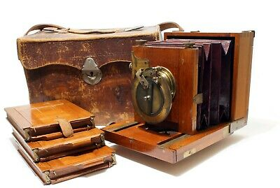 Underwood Field / View 1/4 Plate Camera | Maroon Bellows | Fine Condition | 4G.