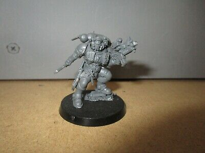 Warhammer 40K Primaris Space Marine Lieutenant in Phobos Armour