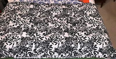 Vera Neumann Tablecloth Black White Mod Floral~ Cotton~Signed In Red Ladybug EUc