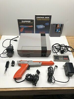 Nintendo Entertainment System Action Set Complete in Box W/duck Hunt