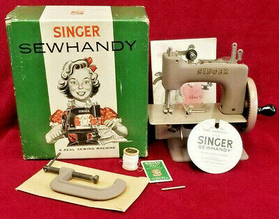 1950s MIB RARE SINGER SEWHANDY 20 TOY SMALL CHILD SEWING MACHINE ANTIQUE VINTAGE