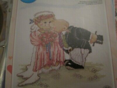 'Kiss The Bride' Smiley Bear Cross Stitch Chart Only
