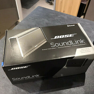 Bose Sound Link Blue Tooth Speaker Boxes And Carry Bag