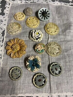 Vintage Early Plastic Fun Leaves Flower Buttons Sewing Button Lot 38-41