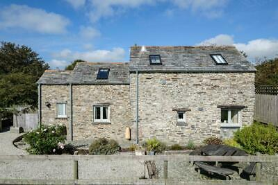 Holiday Character Barn Cottage in Cornwall near the sea sleep 4 dog friendly