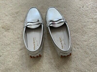 Girls Montelpare shoes, Size 1 or 1 1/2 (no size label on them) New, Silver